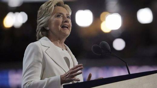 Clinton hace públicas sus cuentas y reta a Trump a seguir su ejemplo