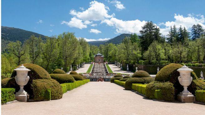 Regalo tur stico los jardines de marivent abiertos para for Jardines de marivent