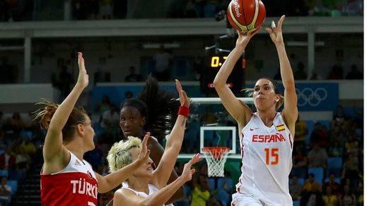 Una canasta sobre la bocina de Ana Cruz ante Turquía mete a España en las semifinales (64-62)