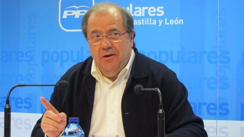 Herrera, ¿jubilando a Rajoy?: reclamó a puerta cerrada un 'revulsivo' para el PP