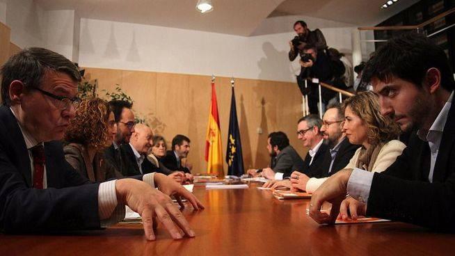 Cinco grandes diferencias entre las negociaciones de C's con PP y PSOE