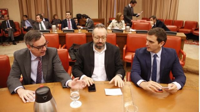 Ciudadanos propone ampliar el pacto anti-corrupci�n a los cargos locales