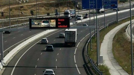 La DGT avergonzará al infractor: expondrá en las pantallas los excesos de velocidad detectados por el radar