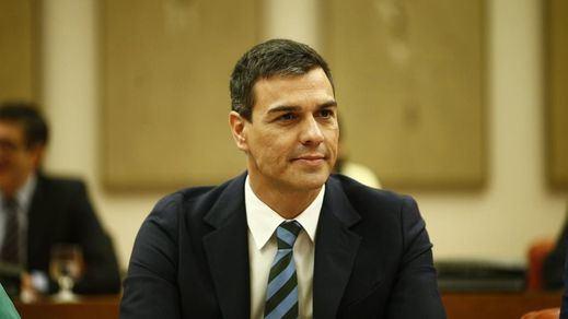 Sánchez responde a PP y Ciudadanos que el PSOE ya acordó no contar con imputados