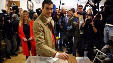 El PSOE pretende una reforma legal para que las elecciones se adelanten al 18 de diciembre