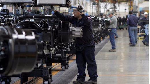 El PIB crece un 0,8% en el segundo trimestre, una décima más de las previsiones