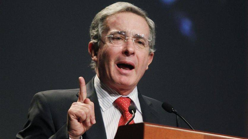 Uribe compara el proceso de paz de Colombia con el de España y el 'caso Otegi'
