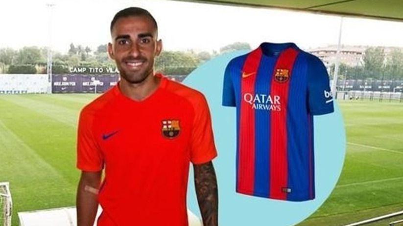 El Barça se apresura y sorteó camisetas de Paco Alcácer horas antes de ficharlo