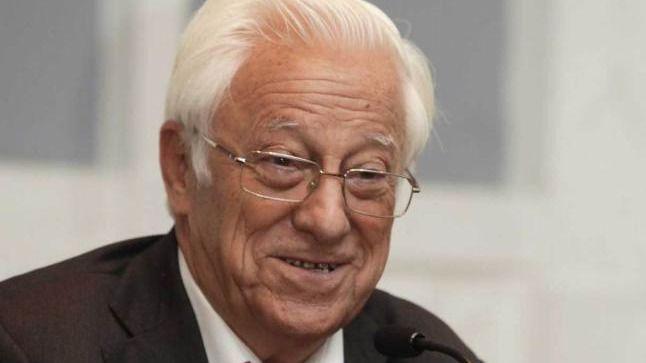 El padre Ángel, en la sesión de investidura: bendijo a todos los políticos pero echó en falta palabras de Rajoy sobre la pobreza