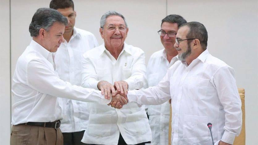A Rajoy se le escapa que la firma del acuerdo de paz en Colombia será el 26 de septiembre y pone en un aprieto a Margallo