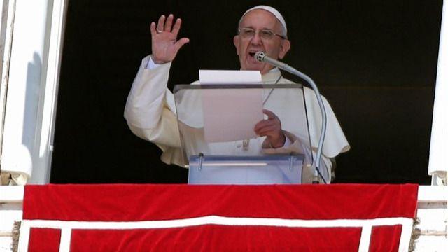 El Papa alerta sobre el cambio climático y pide a los fieles 'una conversión ecológica'