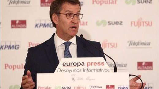 Gestos de asentimiento en la cúpula del PP al escuchar a Feijóo criticar el nombramiento de Soria