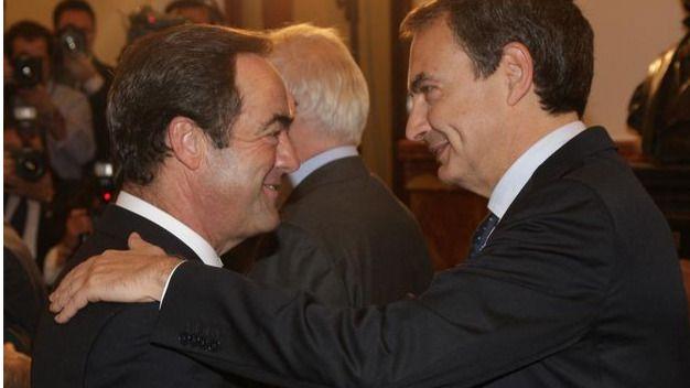 Pesos pesados socialistas se reúnen sin ocultarse para presionar a Pedro Sánchez