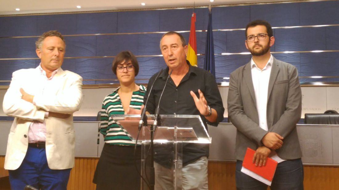 Compromís traslada a PSOE y Podemos un documento con 31 medidas para forzar una negociación