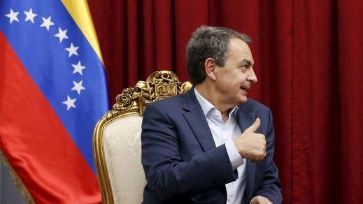 Zapatero, cuestionado en Venezuela por no invitar a la oposición a una de sus reuniones