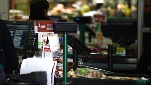 De cajero, a cajero: los clientes de ING podrán sacar dinero en los supermercados DIA