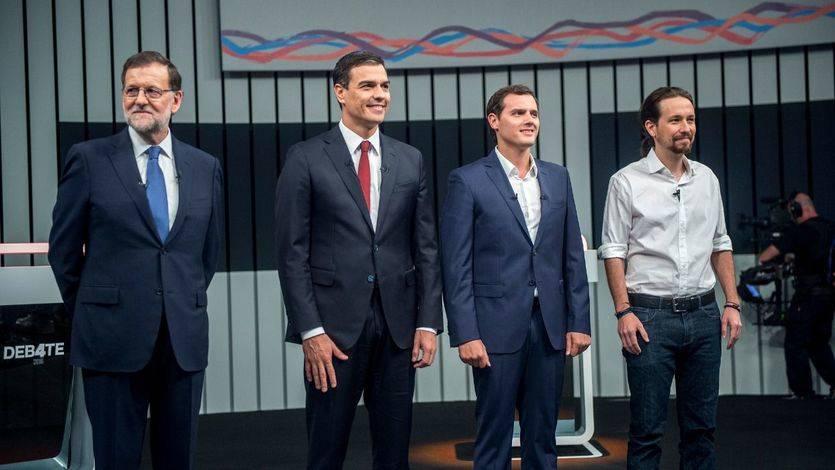 Lo que cobran los políticos: Rajoy invierte en Bolsa, pero tiene menos 'cash' que Sánchez