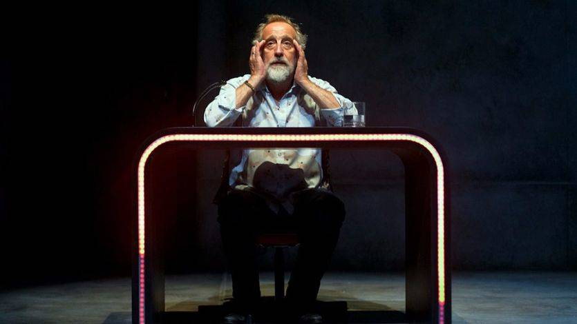'Idiota': la estupidez a examen en el Pavón Teatro Kamikaze