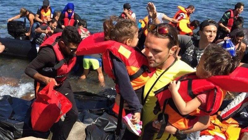 Una española embarazada de 5 meses llega a Lesbos en una barcaza con refugiados procedente de Turquía