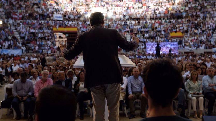 Más de 12.000 personas, y pudieron ser 14.000, llenan el mitin de Pontevedra con Rajoy y le cantan el cumpleaños feliz a Feijóo
