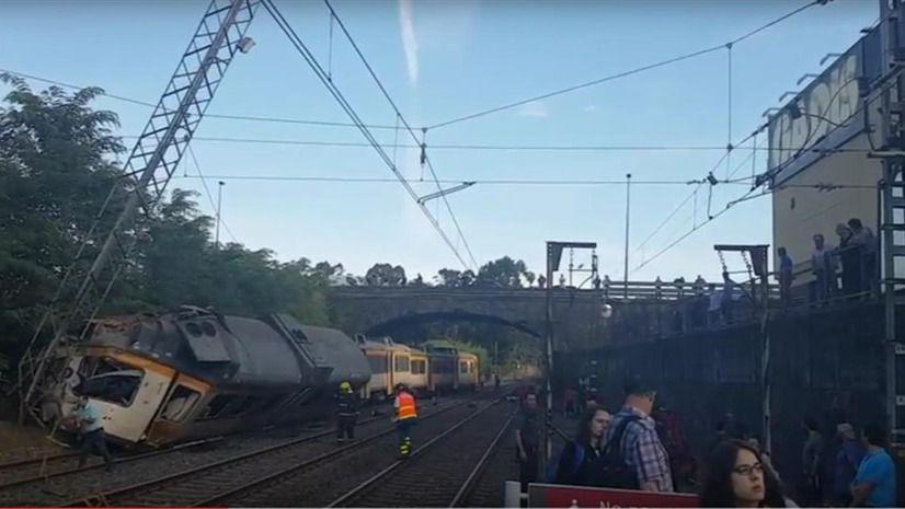 La caja negra revela que el tren de O Porriño iba a 118 km en un tramo de 30