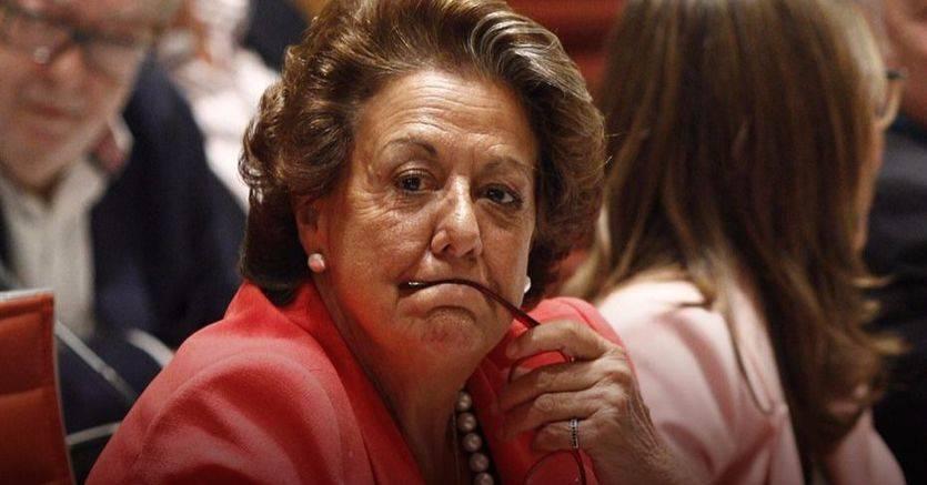 Rita Barberá deja el PP pero se aferra a su 'blindaje' como senadora aforada