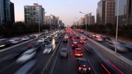 Greenpeace ocupa los parkings de varias ciudades para 'devolver las calles a las personas'