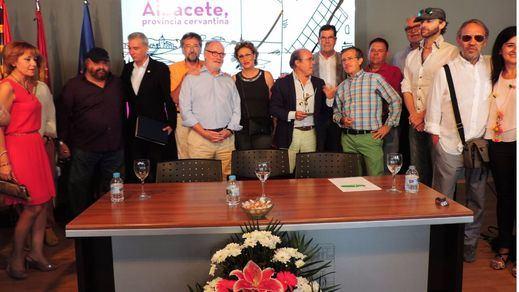 Brillante acto de entrega de los Premios Altozano en la Feria al Instituto de Estudios Albacetenses y al Gran Hotel