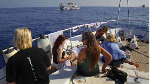 El velero Zaytouna, de la Flotilla de la Libertad, atraca en su primera parada