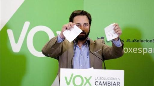 Vox se toma la revancha: intenta boicotear un acto de Otegi con un asalto 'fantasma' al atril