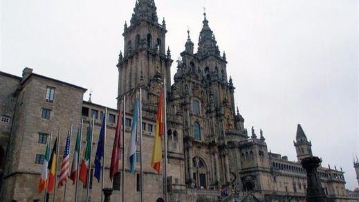 IU reclama a la familia Franco dos estatuas de la Catedral de Santiago