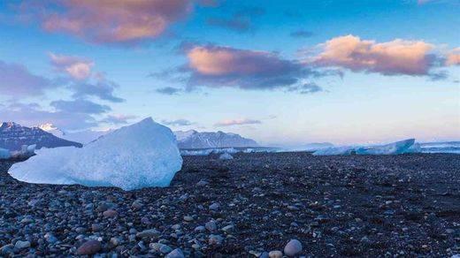 El deshielo Groenlandia pierde un 7% más de hielo de lo que se pensaba