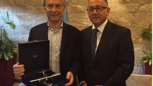 Macri celebra el 70 aniversario de los vuelos de Iberia a Buenos Aires