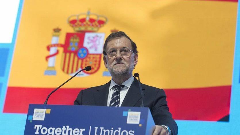 El PP ve 'claramente reforzado' a Rajoy frente a un PSOE 'tocado' por la debacle