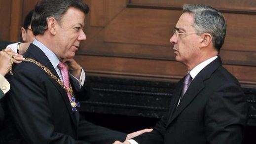 Paz en Colombia: Uribe reprocha a España que apoye una