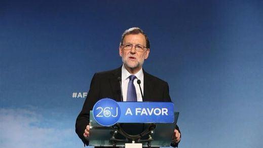 Rajoy, expectante ante la crisis interna del PSOE por si le llega otra oportunidad