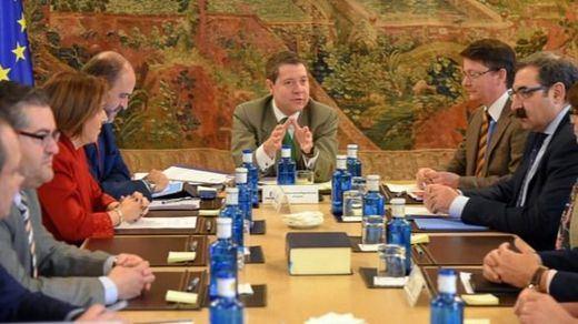 El Gobierno cree que si el PP presentase una moción de censura contra García-Page no prosperaría