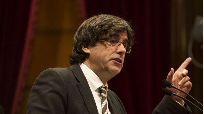 Puigdemont abre la puerta a una consulta unilateral de independencia en oto�o de 2017: