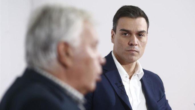 Felipe González: 'Yo qué sé si tiene que dimitir... no me creo Dios'
