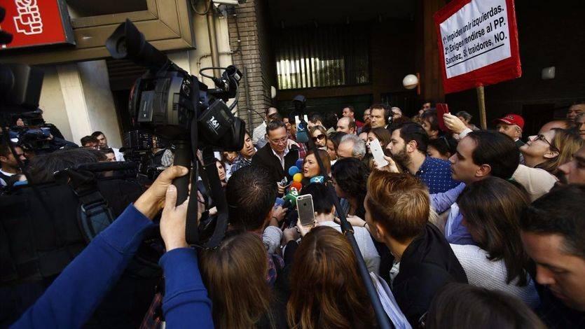 La andaluza Verónica Pérez se proclama 'única autoridad' del partido