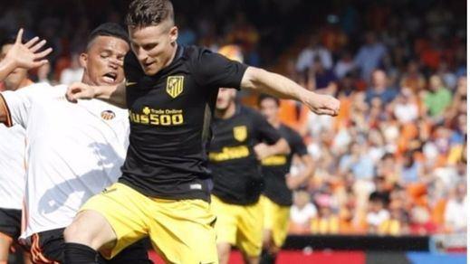 El Atlético asalta Mestalla a pesar de Diego Alves (0-2)