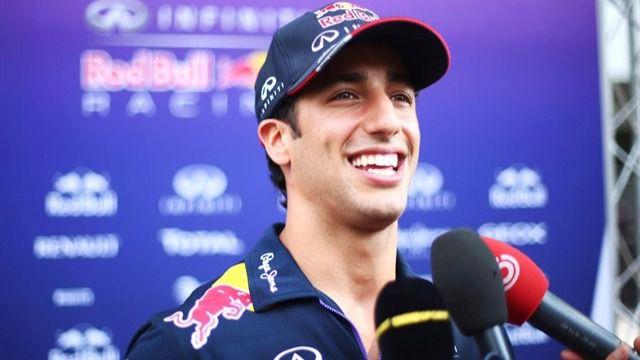 Hamilton rompe y sirve la victoria a Ricciardo; Alonso, séptimo