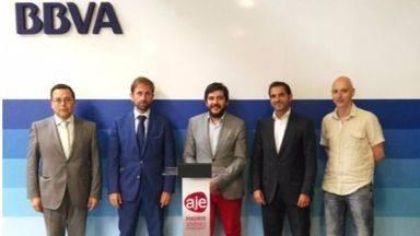 BBVA y AJE firman un convenio de colaboraci�n