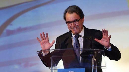 Artur Mas acusa al Gobierno de mover los hilos de la Fiscalía como arma política y antidemocrática