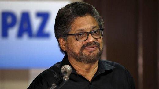 Las FARC dan el primer aviso tras el fracaso del referéndum: no quieren someterse a Uribe y Pastrana
