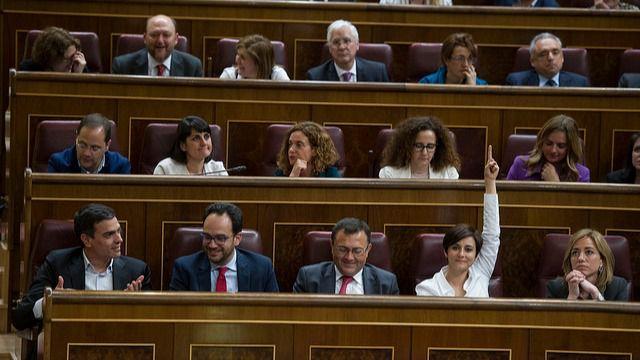 Una abstención a Rajoy podría partir en dos al Grupo Parlamentario