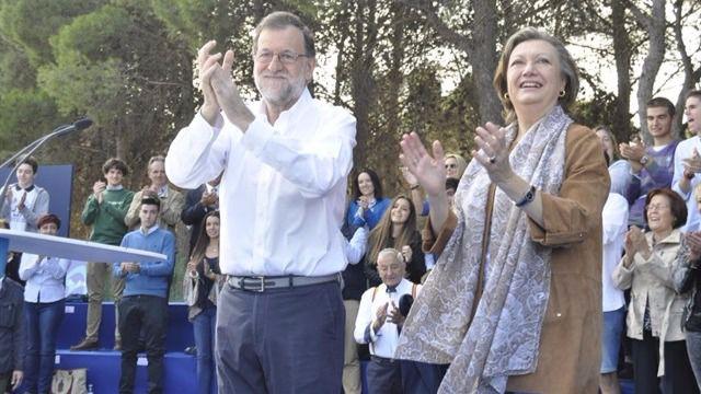 Rajoy y Rudi, este sábado en un acto con militantes en Zaragoza.
