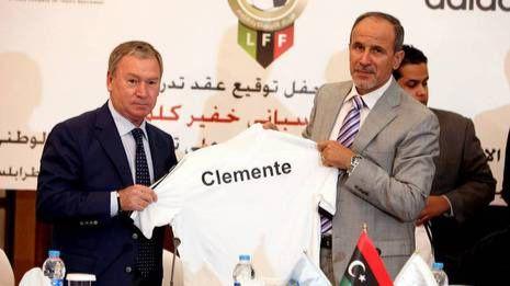 Clemente cuando firmó como seleccionador libio