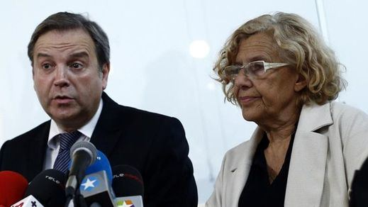 ¿Maniobra el PSOE para echar a Carmena con ayuda del PP?