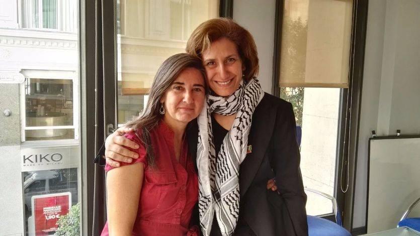 Jaldía Abubakra y Sandra Barrilaro, de 'Mujeres Rumbo a Gaza', narran su experiencia a bordo del Zaytouna
